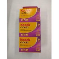 Kodak Gold Gb 200 135-36x3 színes negatív filmcsomag