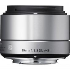 Sigma 19mm F2,8 Olympus (40S963) EX DN objektív, ezüst